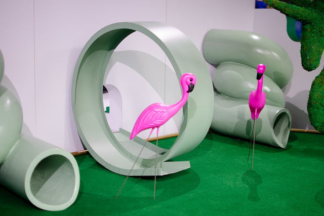 googles mini golf pop up event in nyc highlights its smart home products google flamingos