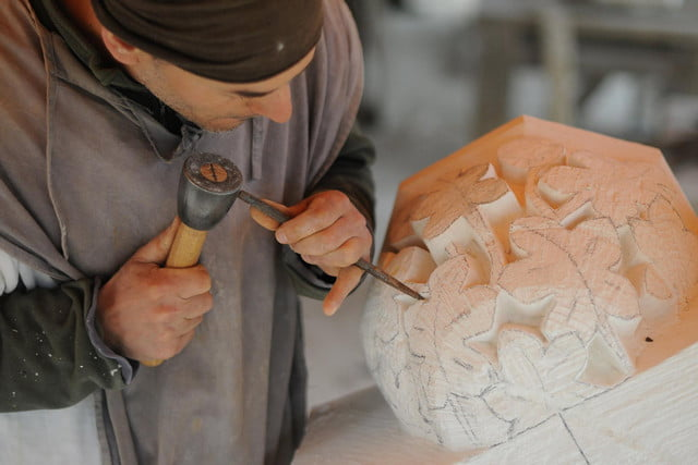 the guedelon castle is being built with 13th century techniques gu  delon 0082