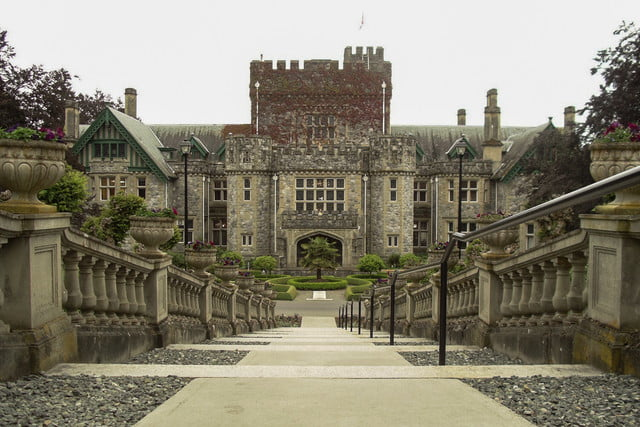 10 famous movie locations you can actually visit hatley castle