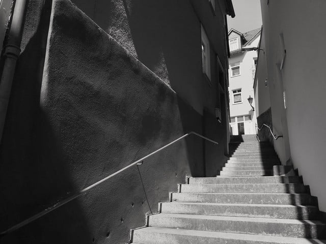 huawei p20 pro leica street photography feature stairs
