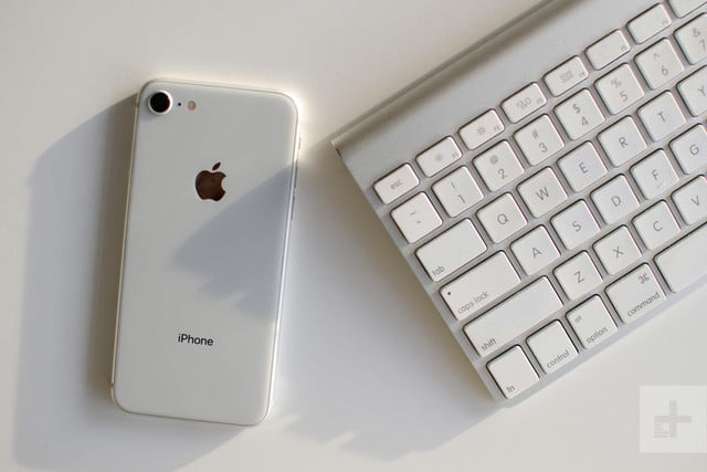 Apple iPhone 8 review keyboard back