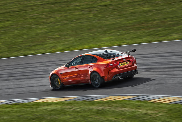 Jaguar-XE-SV-Project 8 side fast