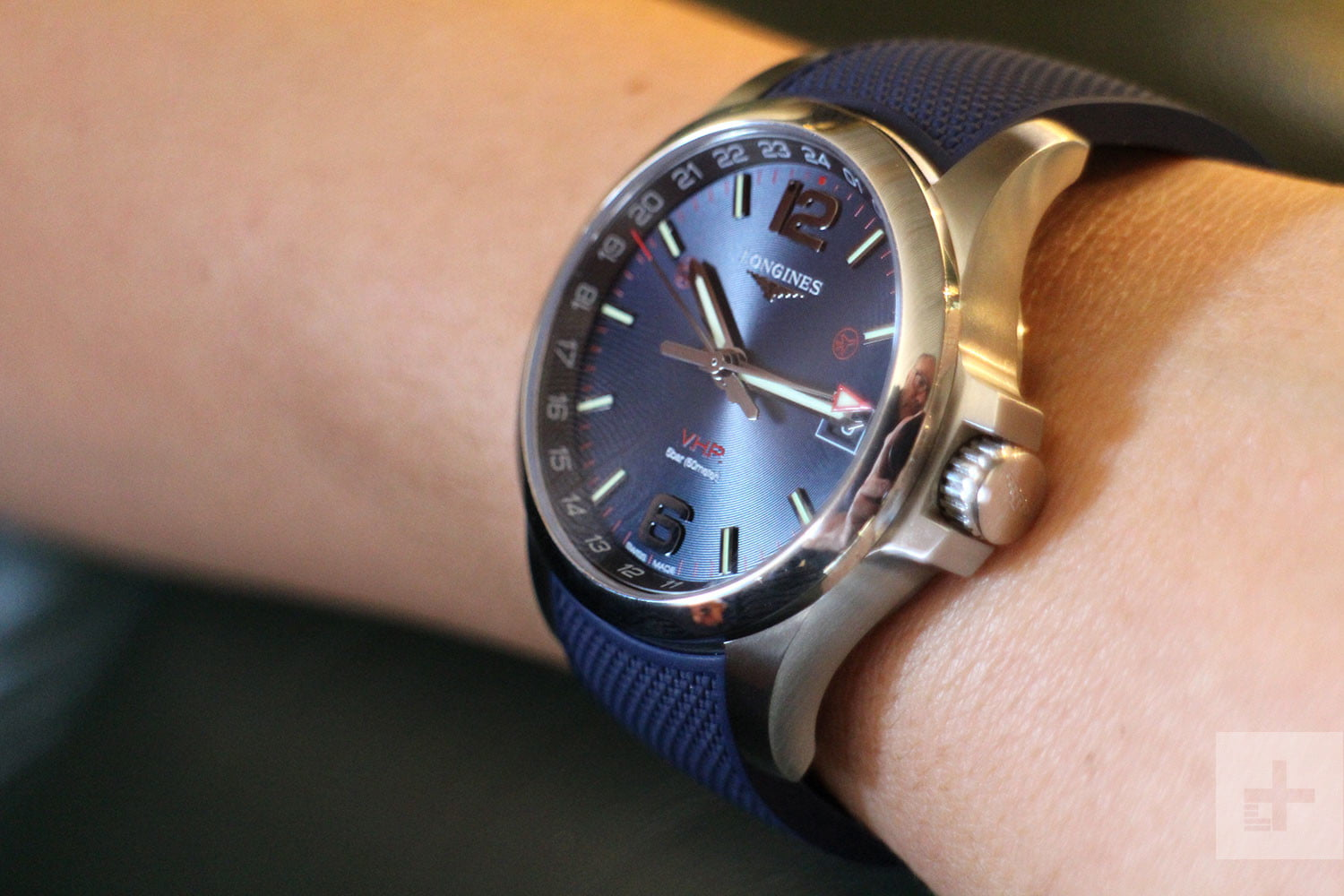 a7dfcda0d75 Longines  New Watch Uses The Flash On Your Phone To Transfer Data ...