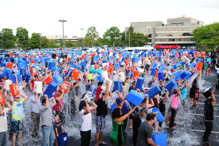 mass-ice-bucket-challenge