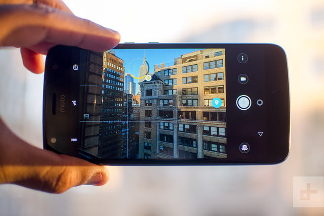 Moto X4 Android One review camera app