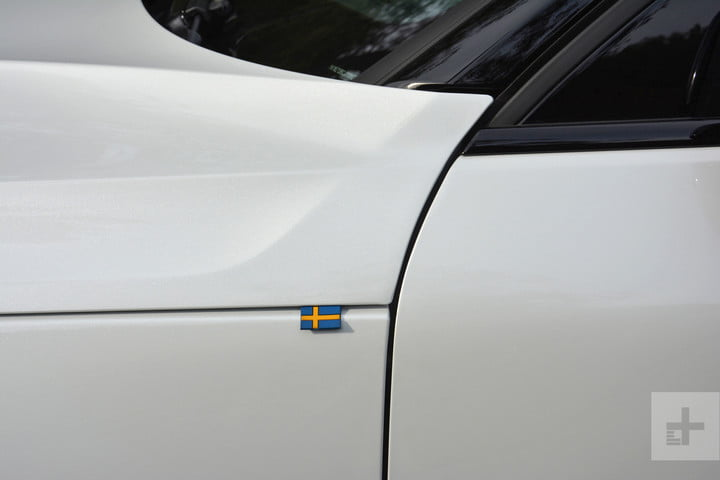 2019 Volvo XC40 first drive review sweden
