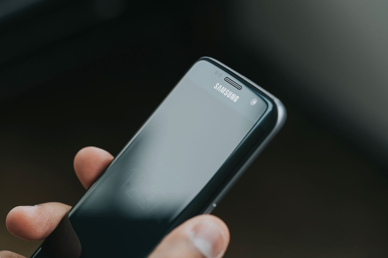 how to open samsung galaxy s7 edge