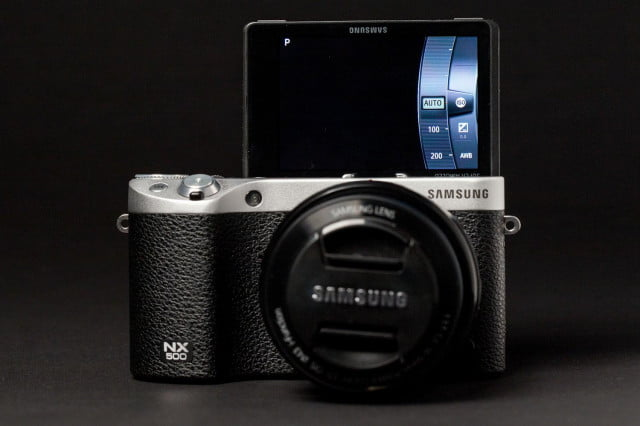 Samsung NX500 front screen