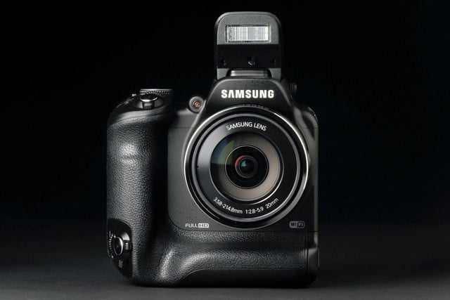 Samsung WB2200F front flash open