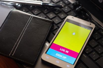 How to Use Snapchat | Tips and Tricks for New Users