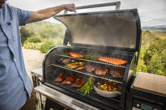 traeger 2019 new grills timberline healdsburg 1300 people at grill 004